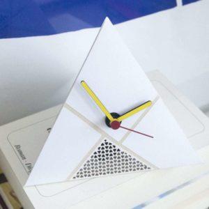 Cut Clock - Tetraeder