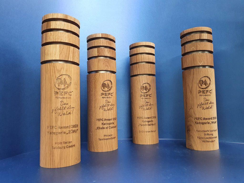 PEFC Award aus Holz und Edelstahl